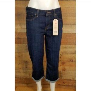 Levis Womens Classic Capri Jeans Size 29 Dark Wash